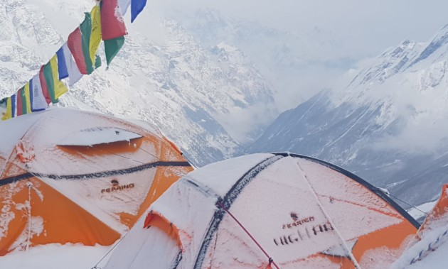 ALEX TXIKON IS READY TO CLIMB UP THE SUMMIT OF MANASLU - fr