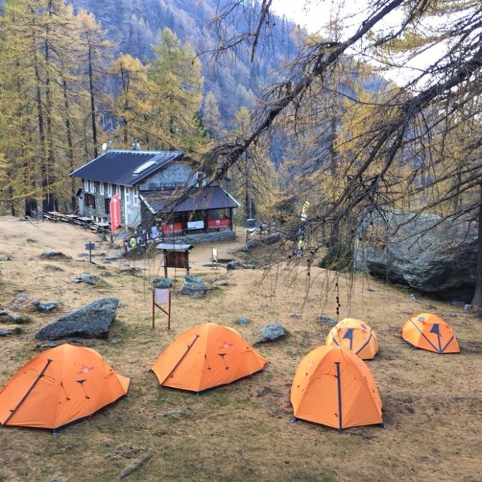Ferrino Base Camp - en
